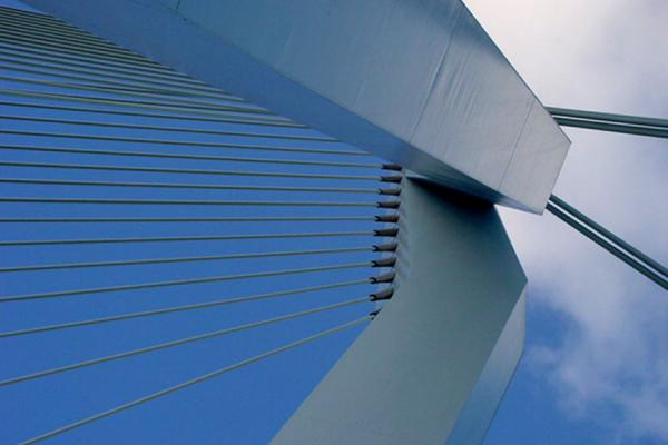 The pilon from below | Erasmus bridge | Netherlands