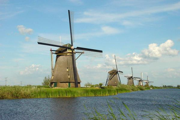 Picture of Kinderdijk: windmills in a row along a canal