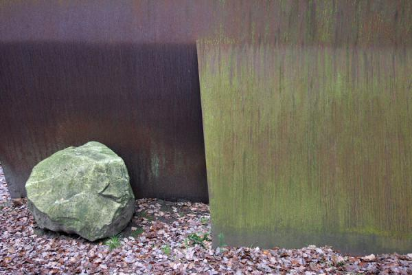 Steel and natural stone make Relatum by Lee Ufan | Kröller Müller Sculpture Garden | Netherlands