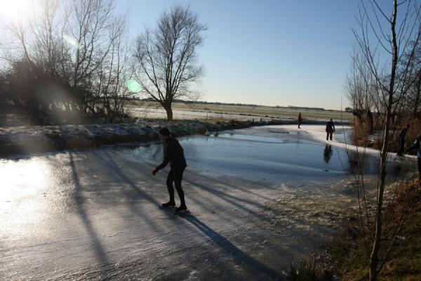 Where birds keep the ice open, skaters have to move overland | Natural Ice pastime | Netherlands