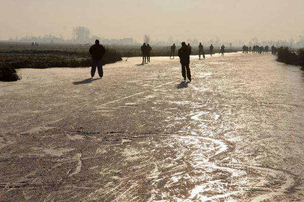 Picture of Natural Ice pastime (Netherlands): Skating on ice near Broek in Waterland