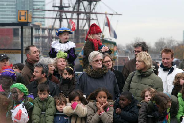 Kids and their parents looking out for Sinterklaas | Sinterklaas entry | Netherlands