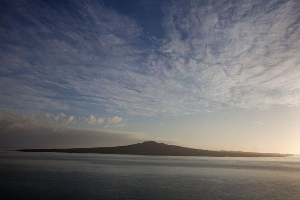 Foto di Rangitoto just after sunriseArea volcanica di Auckland - Nuova Zelanda