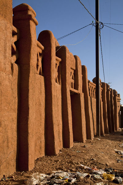 Side view of one of the largest buildings in the old town of Agadez | Agadez Old Town | Niger