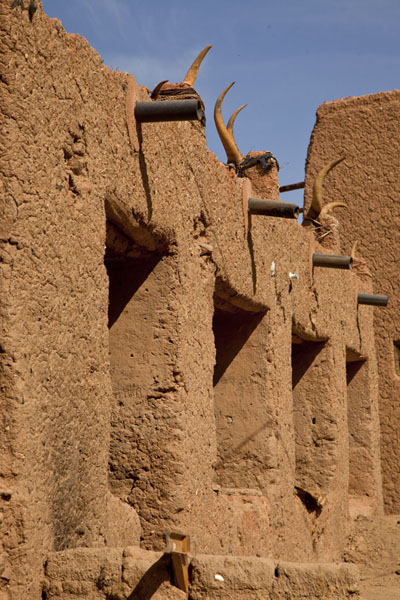 Adobe building in which a butcher can be found | Agadez Old Town | Niger