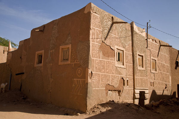 One of the larger adobe buildings with decorations on its outside walls | Agadez Old Town | Niger