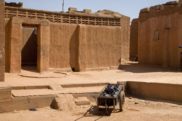 Adobe houses in the Birni quarter of Zinder | Zinder Old Town | Niger