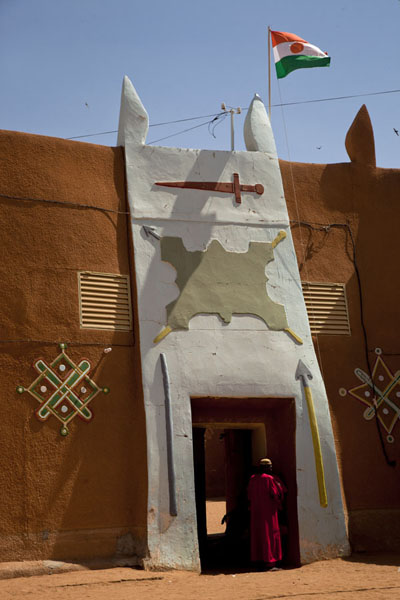 Picture of Zinder Sultan Palace (Niger): The entrance gate of the Sultan Palace of Zinder