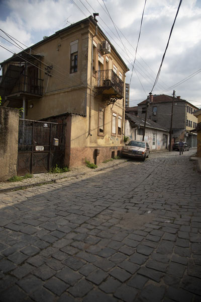 Foto van Cobble-stone street in the old part of BitolaBitola - Noord-Macedonië