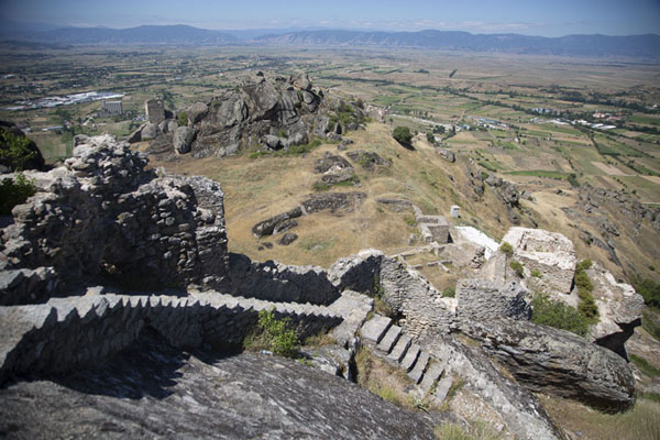 View from the top with stairs and ruined buildings | Torres de Marco | Macedonia del Norte