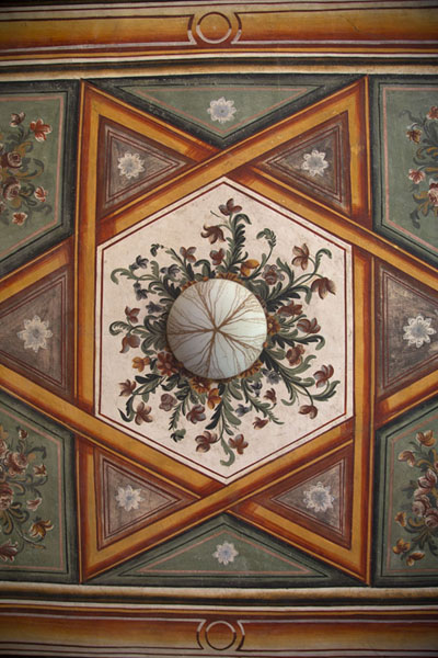 Looking up the ceiling of the entrance of the mosque | Painted mosque | North Macedonia