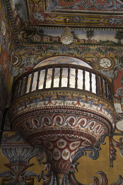 Richly decorated balcony inside the church | Mezquita pintada  | Macedonia del Norte