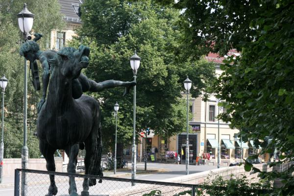 Picture of Grünerløkka: statues on Ankerbrua bridge