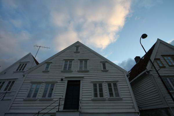 Picture of Old Stavanger (Norway): Looking up a typical white house in Old Stavanger