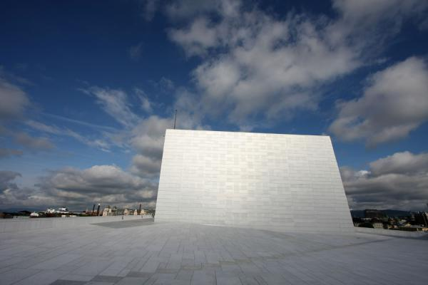 Looking towards Oslo from the roof of the Oslo Opera House | Opéra d\'Oslo | la Norvège