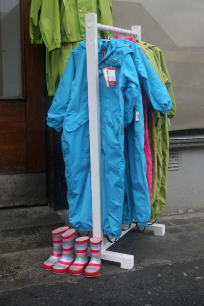 Foto di Colourful rain clothes in a specialized shop in BergenBergen - Norvegia