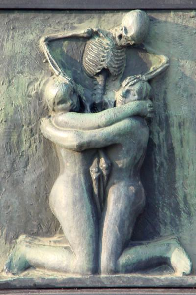 Embracing Death | Vigeland Park | Norway