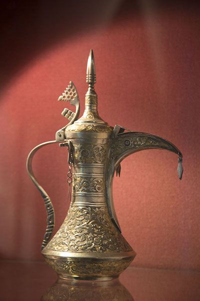 Foto de Coffee pot in the museum of Bait al ZubairMascate - Oman