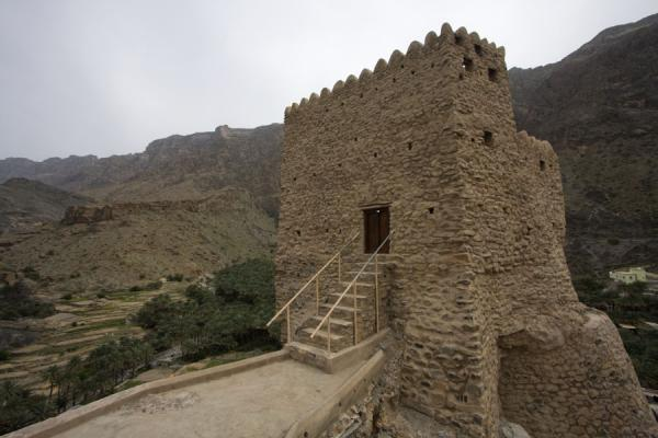 Picture of Old watchtower dominating the village of Bilad Sayt