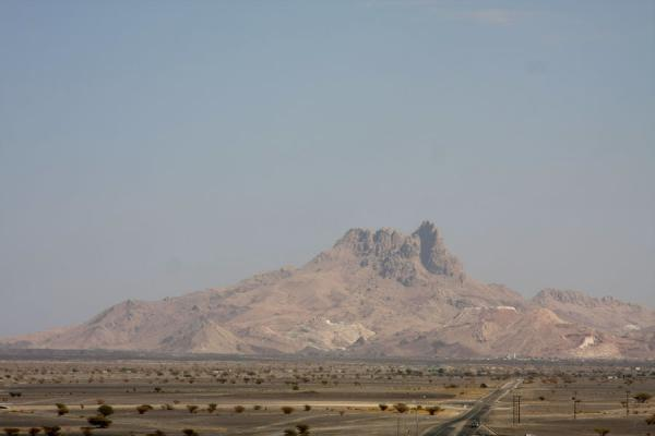Picture of Jabrin Castle (Oman): Rocky mountains seen from the top of Jabrin Castle