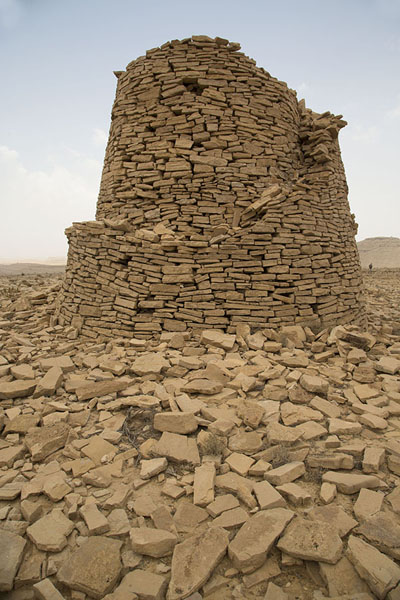 Picture of Jaylah beehive tombs (Oman): Outer wall of this beehive tomb is partly collapsed