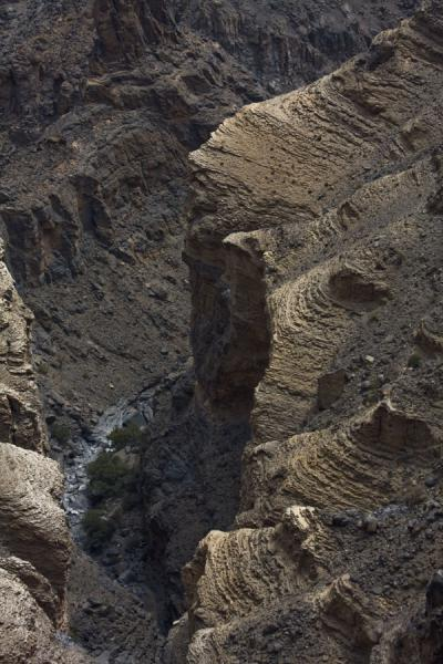 Looking down into Wadi Nakhr from the rim of the Grand Canyon | Jebel Shams Grand Canyon | Oman