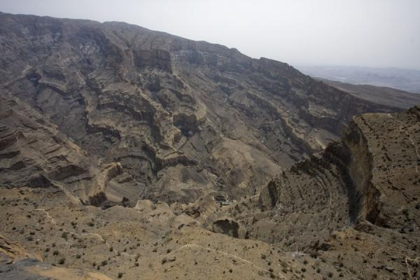 The spectacular landscape of the Grand Canyon seen from above | Jebel Shams Grand Canyon | Oman