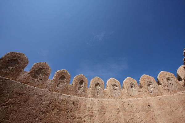Picture of Qurayat (Oman): Crenels on top the defensive tower of Qurayat Castle