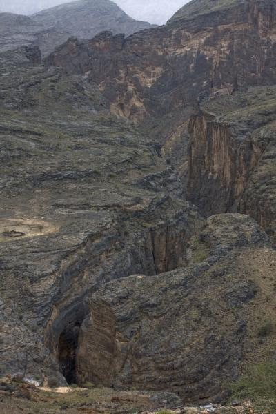 Picture of Wadi Bani Awf (Oman): A deep crack in the landscape: Snake Gorge or Wadi Bimmah