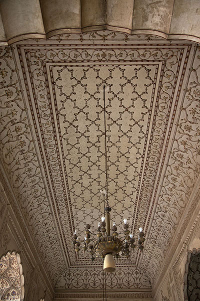 Ceiling inside Badshahi Mosque - 巴基斯坦 - 亚洲