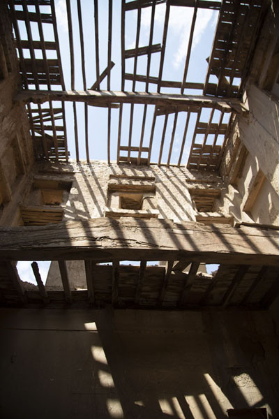 Picture of Broken ceiling of a building inside Derawar Fort