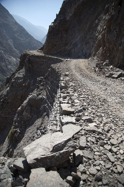 Foto de Jeep track to Fairy Meadows with the abyss never far away - Pakistan - Asia