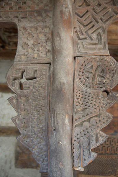 Close-up of wooden decorated column in old mosque of Ganish | Ganish old town | Pakistan