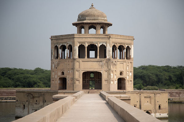 Frontal view of the Baradari, or pavilion, in the middle of the pond of Hiran Minar | Hiran Minar | Pakistan