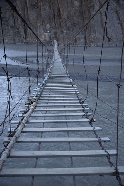Early morning view over the suspension bridge near Hussaini | Puente colgado de Hussaini | Pakistan