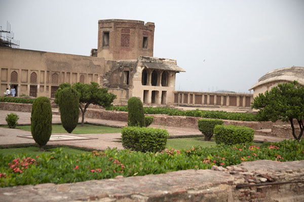 Photo de Ladies Garden, or Paien Bagh Quadrangle,one of the gardens in Lahore Fort - Pakistan - Asie