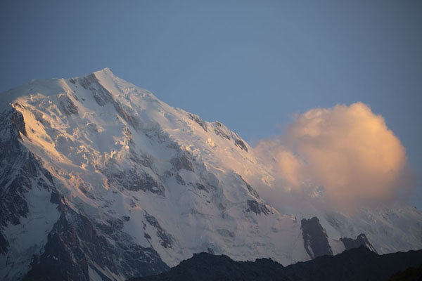 Foto di Sunset over the west side of Nanga ParbatCampo Base Nanga Parbat - Pakistan