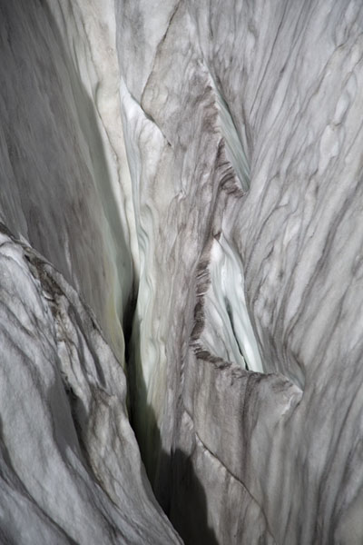 Looking into a crevasse in Passu glacier | Patundas | Pakistan
