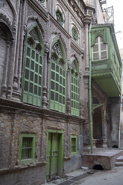 One of the attractive old buildings in the walled city of Peshawar | Pesjawar oude stad | Pakistan