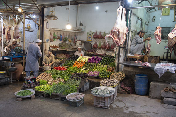 Vegetable and meat shop in the old city of Peshawar | Peshawar old city | 巴基斯坦