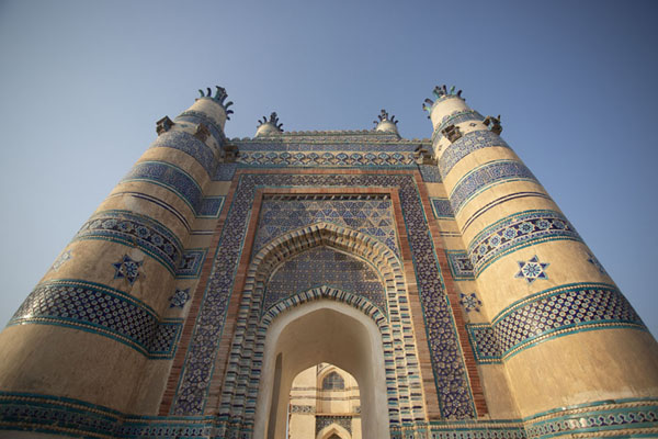 Looking up the facade of Bibi Jawindi Tomb | Uch Sharif tombs | Pakistan