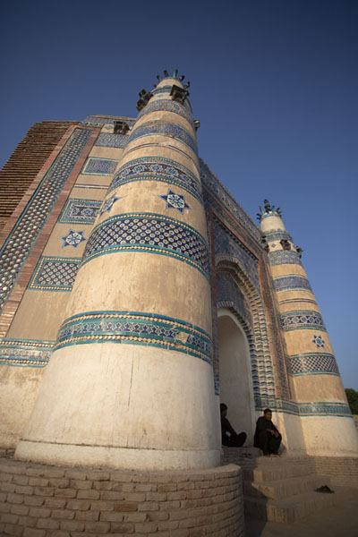 Side view of Bibi Jawindi Tomb | Tumbas de Uch Sharif | Pakistan