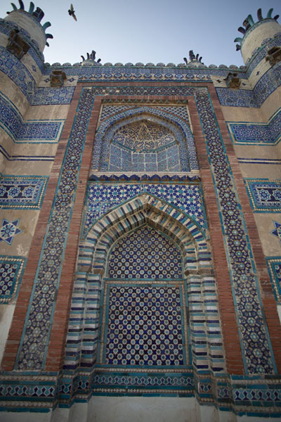 Exterior wall of Bibi Jawindi Tomb, a late 15th century beautiful structure | Tumbas de Uch Sharif | Pakistan
