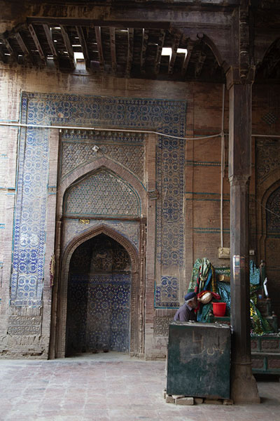 Picture of Interior of Jalaluddin Bukhari mosqueUch Sharif - Pakistan