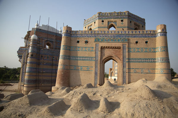 Ustad Nuriya Tomb, honouring the architect of Bibi Jawindi's tomb | Tumbas de Uch Sharif | Pakistan