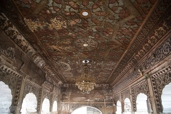 Foto van The ceiling of the tomb of Sufi saint GazraniLahore - Pakistan