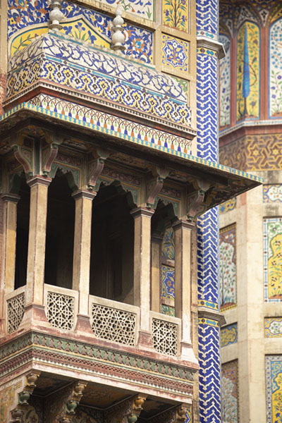 Foto van One of the balconies flanking the iwan, the main entrance to Wazir Khan mosqueLahore - Pakistan