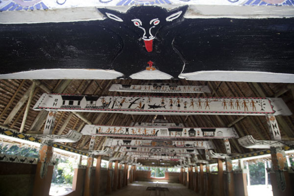 Looking into the bai of Melekeok with bat above the entrance | Babeldaob bai | 巴劳