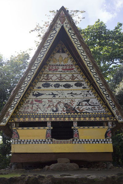 Richly decorated bai in the backyard of the museum | Belau National Museum | Palau