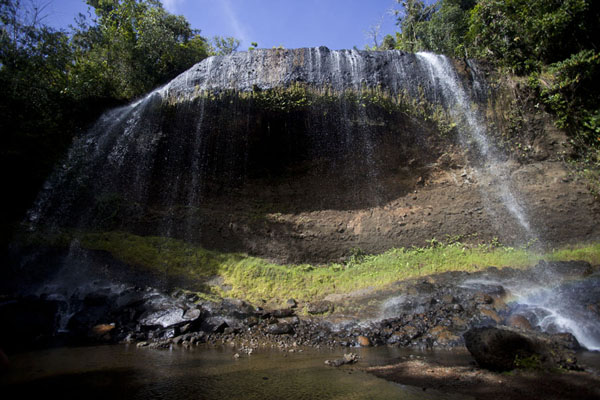 Picture of Ngardmau waterfall (Palau): Frontal view of Ngardmau waterfall
